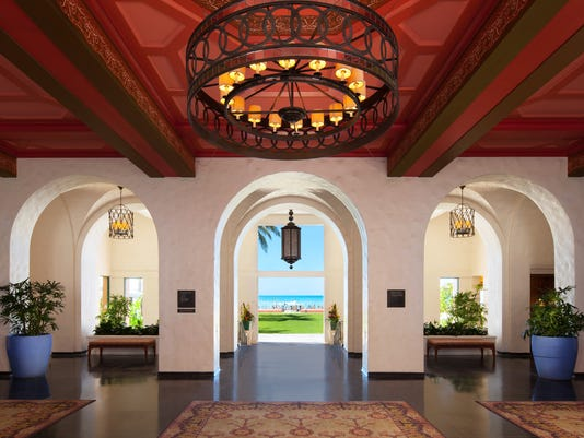 636259631392566252-The-openair-Lower-Lobby-of-The-Royal-Hawaiian-opens-up-to-the-Pacific-Ocean-credit-The-Royal-Hawaiian-a-Luxury-Collection-Resort.jpg