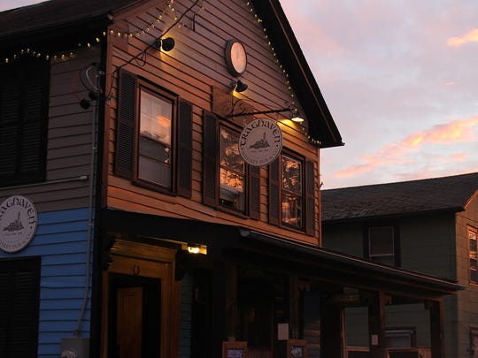 Trapghagen Whiskey Pub in Tivoli