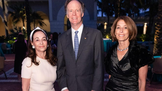 Phyllis Krock, Dr. William Kaelin and Dr. Laurie Glimcher