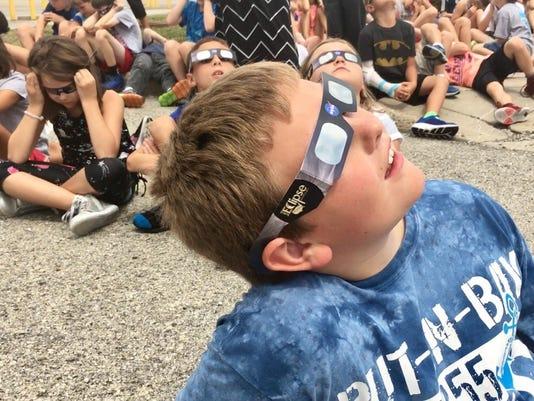636389277565387049-Kids-eclipse.jpg