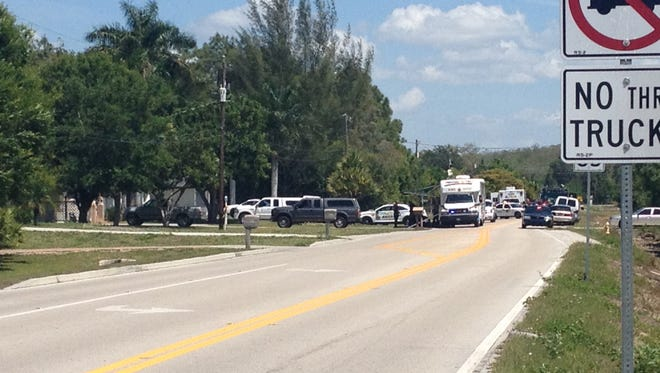 Bomb squad at home on Idlewild Street in Fort Myers. / Michael Braun/news-press.com