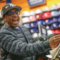 Spike Lee embraces Indiana sports fans at the mall