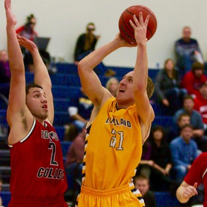 College basketball - Lakeland College vs. Edgewood College, Nov. 28