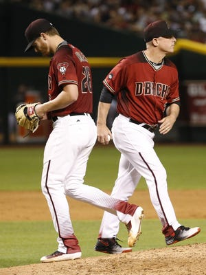 Arizona Diamondbacks manager Chip Hale pulls Shelby Miller from the game against the New York Yankees in the 6th inning in Phoenix, Ariz., on Wednesday, May 18, 2016.