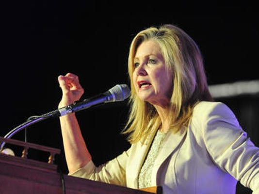 635774971115050162-Marsha-Blackburn-Sam