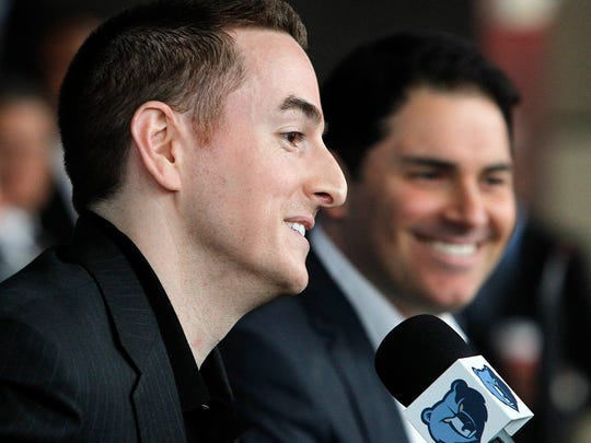 Memphis Grizzlies new chairman Robert Pera, left, and new chief executive officer Jason Levien smile at a press conference in Memphis, Tenn., Monday, Nov. 5, 2012.  (AP Photo/Lance Murphey)