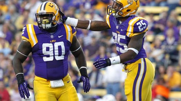 Kwon Alexander (25) returns to the LSU starting lineup after missing last week due to injury.
