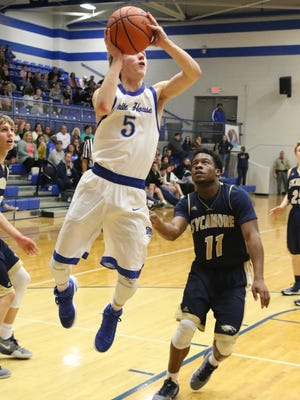 White House defeated Sycamore boys 80-79 in the District 9-AA tournament at White House High School.
