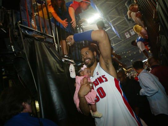 Detroit Pistons forward Rasheed Wallace leaves the