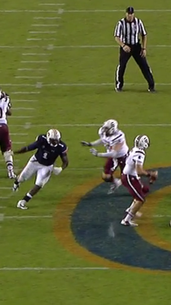 Auburn should've received a five-yard penalty for D'haquille