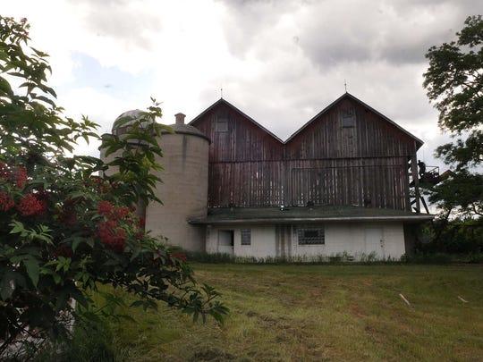 -DCA 0719 logerquist barn 3.jpg_20140715.jpg