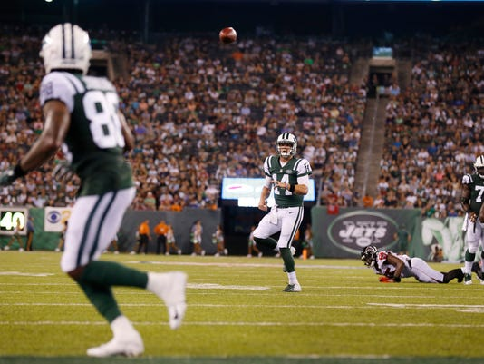 Falcons_Jets_Football_67033.jpg