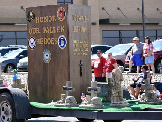 This float entry, Honor the Fallen and Thank the Living,
