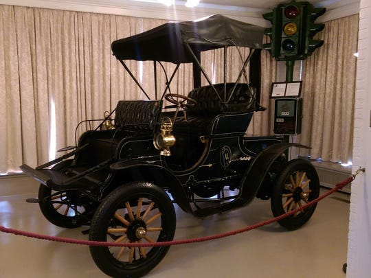 The Haynes-Apperson Co. priced this 1905 Model L at