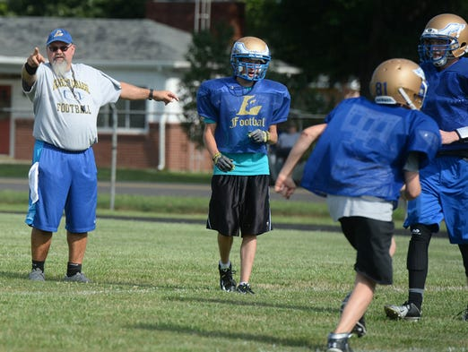Lincoln Strives To Add Passing Attack To Run Game