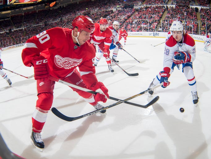 Detroit Red Wings center Stephen Weiss and Montreal