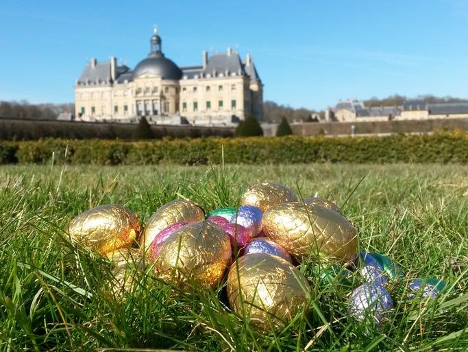 Kids can wander the historic Chateau Vaux-le-Vicomte