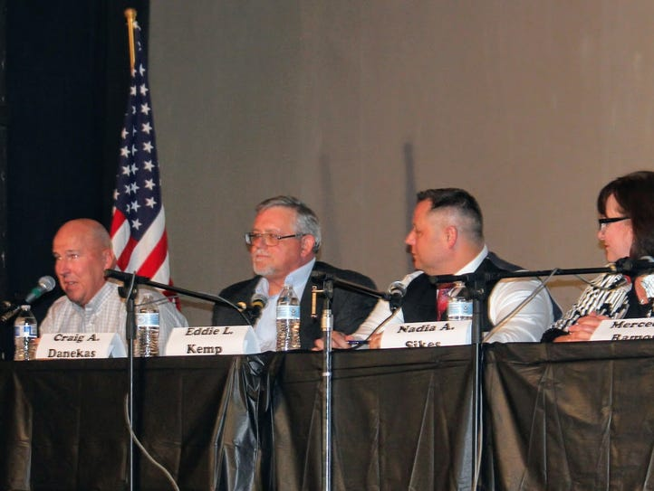 City Commission candidates debated city issues at the