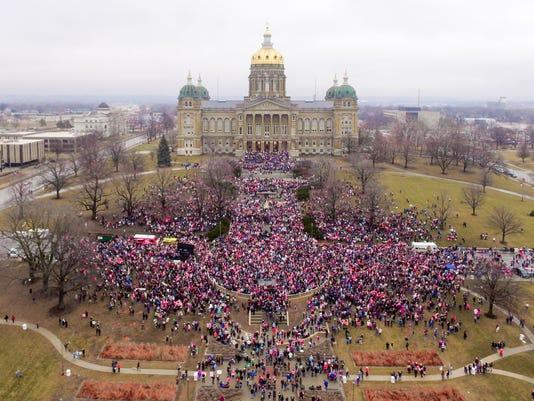 636207829742993345-womens-march.JPG