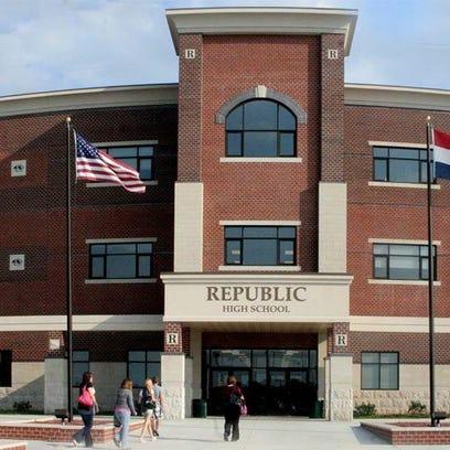 Traffic near the Republic High school has the school