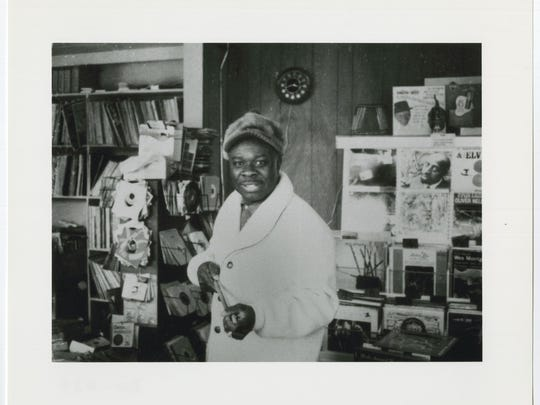 Rufus Thomas at the Satellite Records shop.