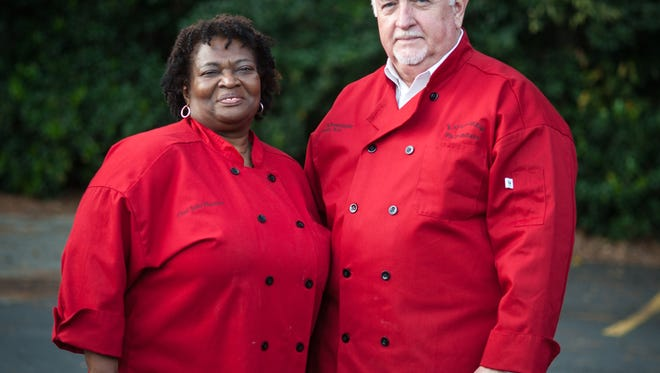 Judy Harmon and Harold Schexsnayder of Lousiana Pie Peddlers