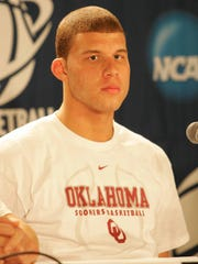 Blake Griffin with Oklahoma during the 2009 NCAA tournament.