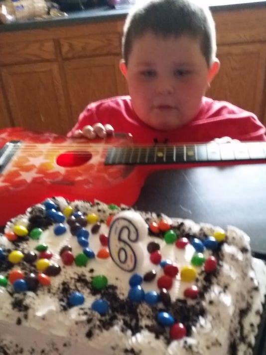 636443715969501718-Cullen-at-sixth-birthday-party.jpg