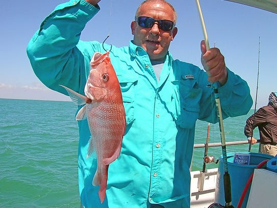 State water red snapper being caught off port aransas - Private deep sea fishing port aransas ...