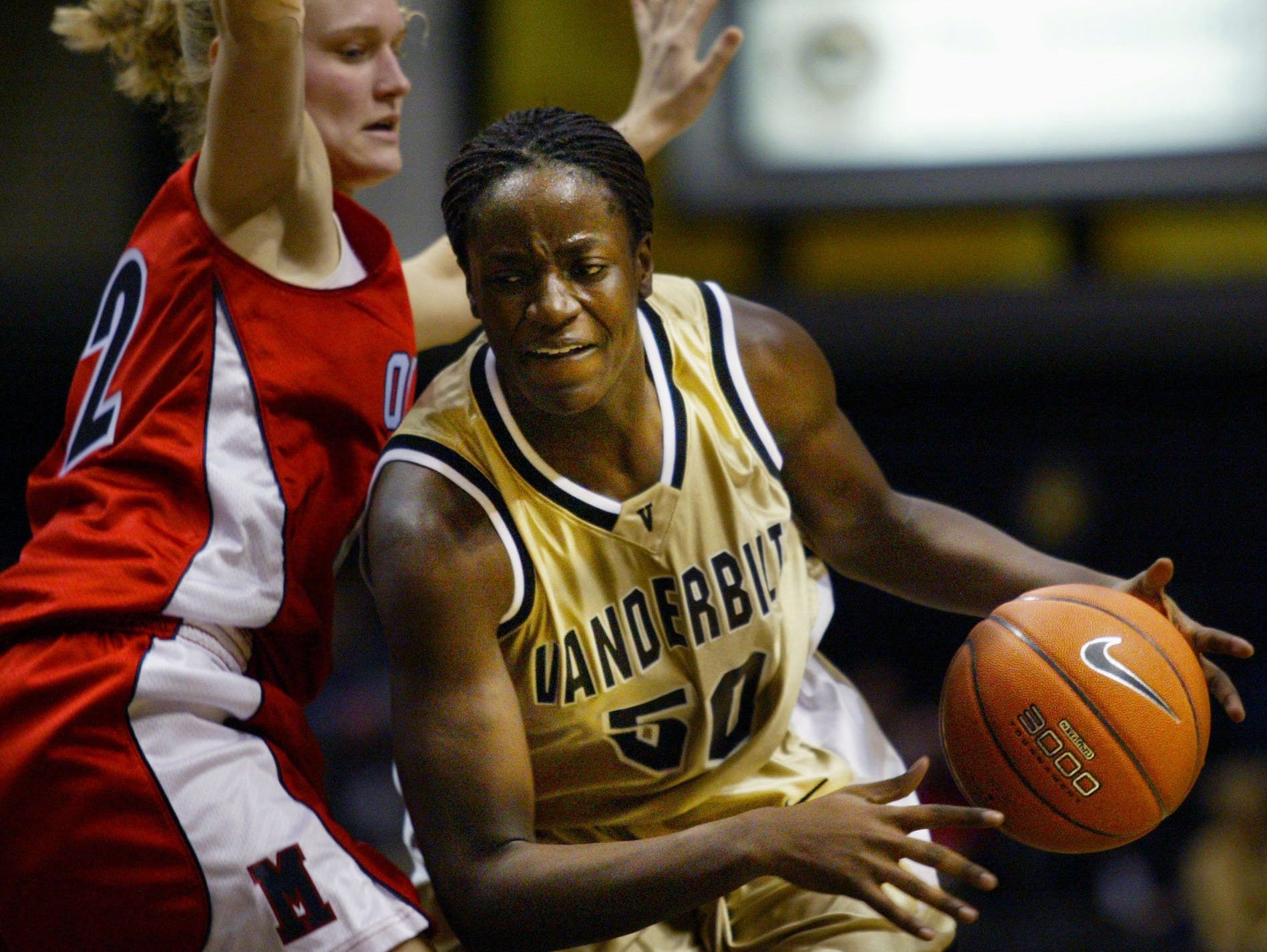 Former Vanderbilt standout Carla Thomas, right, was inducted into the Pennsylvania Sports Hall of Fame.