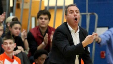 Boys hoops : Somerville's  D'Alessandro reaches win No. 500