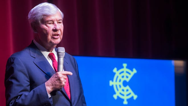 Former Florida Gov. and U.S. Senator, Bob Graham, speaks to the capacity crowd gathered at the Pensacola Little Theatre during the 2018 CivicCon community convention Tuesday, Jan. 18, 2018.