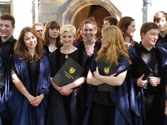 636088550508090967-Tree-court-choir-photo-2014-wide.jpg