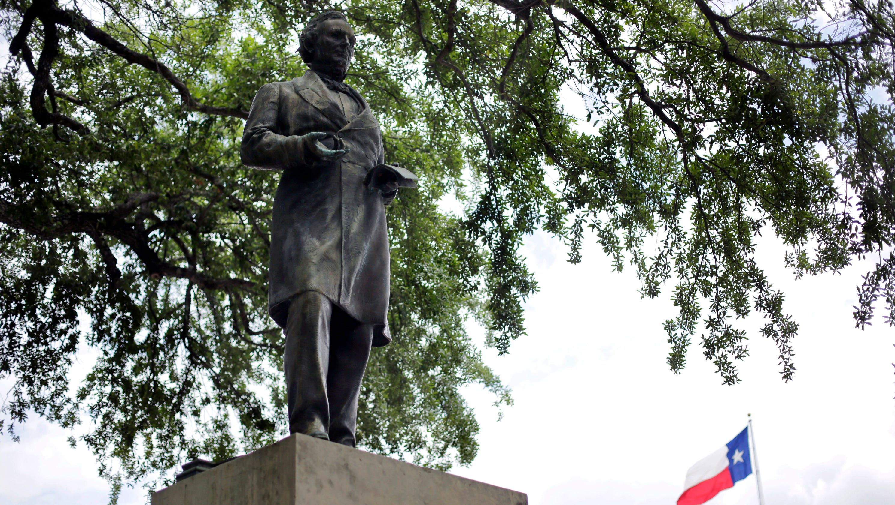 confederate statues tagged with black lives matter