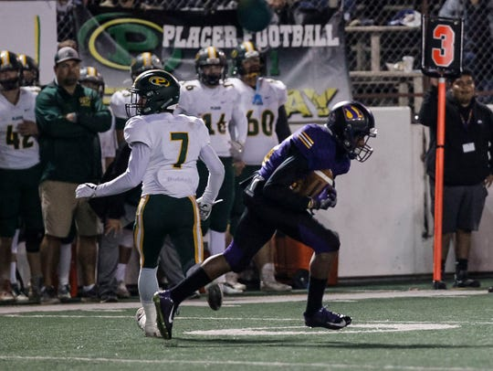 Salinas' Andre Calder intercepts a pass intended for