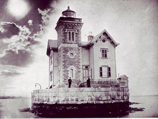 USE BIG hannahmcdonaldladylighthouse keeper1590.jpg