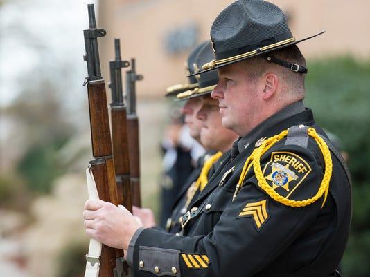 635828498198449773-20151111rm-Veterans-Day-2