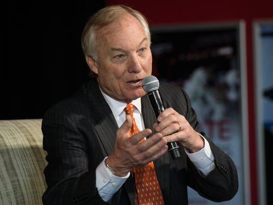 Maryland Comptroller Peter Franchot speaks to an audience during a town hall at Headquarters Live on Monday, Feb. 13, 2017.
