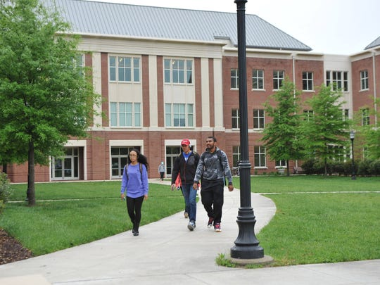 Students walk between classes at Salisbury University on May 8, 2016.