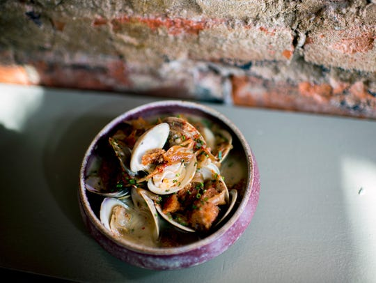 Almejas con Jerez: littleneck clams in sherry from