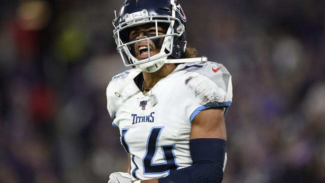 Former Holy Cross wide receiver Kalif Raymond is back with the Tennessee Titans this season looking to build off his breakout season in 2019-20.
