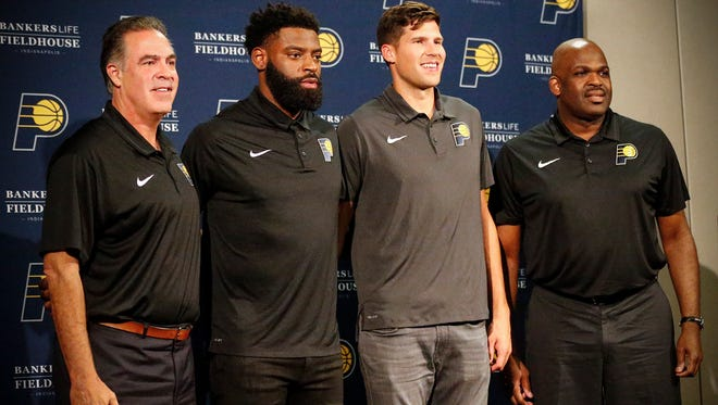 Indiana Pacers officially sign guards Tyreke Evans and Doug McDermott at Bankers Life Fieldhouse.