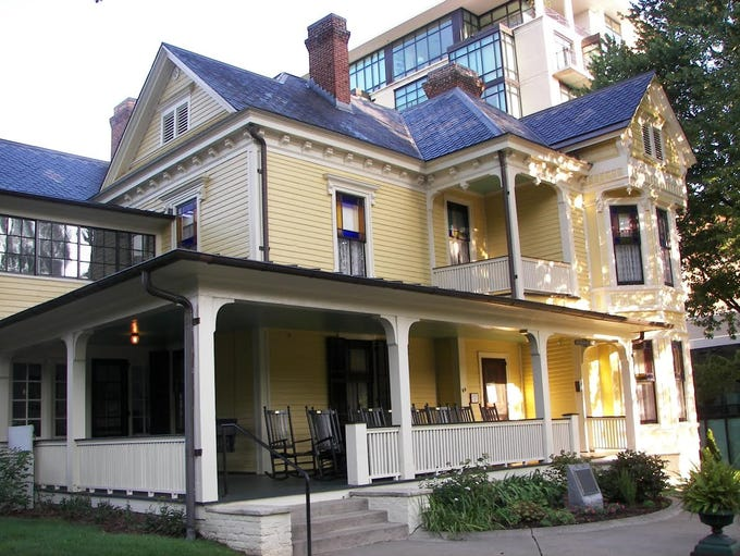 The Old Kentucky Home boarding house at the Thomas