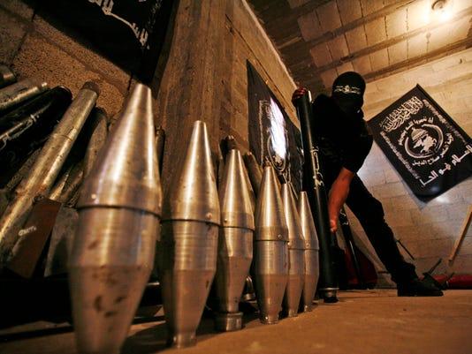 -op06_palestinian_rockets_no-dot_01-06-2009_MTV7TE0.jpg_20090106.jpg