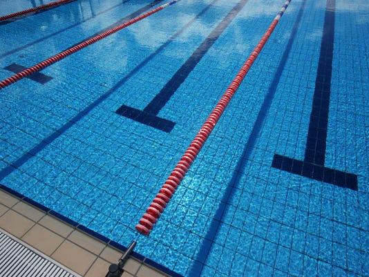 swimming 92153216
