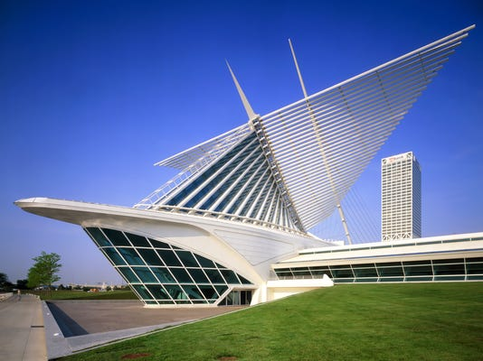 Milwaukee Art Museum Exterior.jpg
