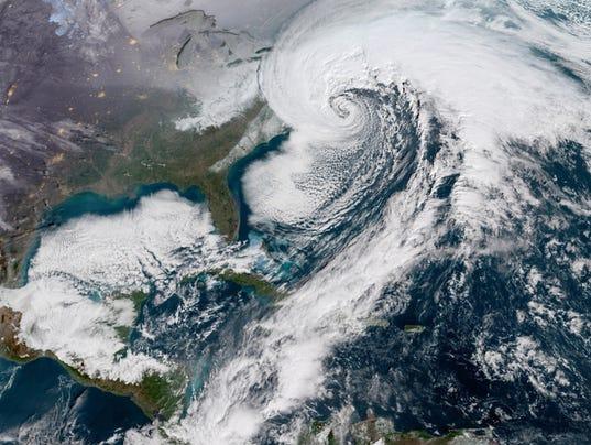 636506813487320855-bomb-cyclone.jpg