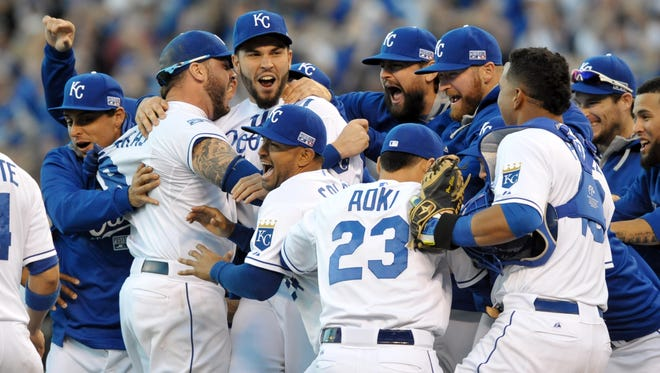 The Royals celebrate their AL  pennant.