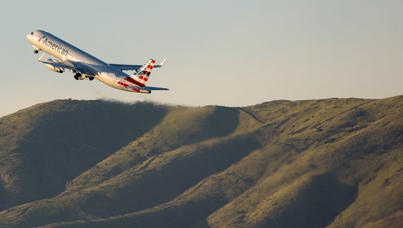 An American Airlines Airbus A321 departs San Francisco