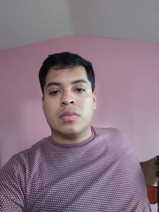 636568022163738535-Carlos.jpg